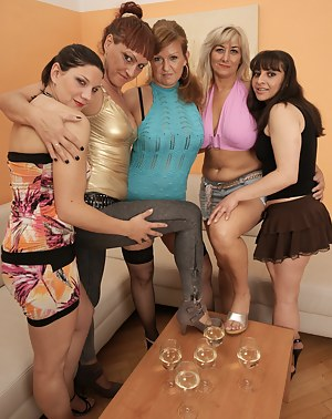 Free MILF Party Porn Pictures
