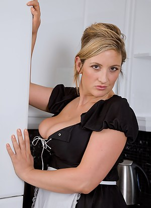Free MILF Maid Porn Pictures
