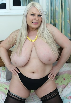 Free Fat MILF Porn Pictures